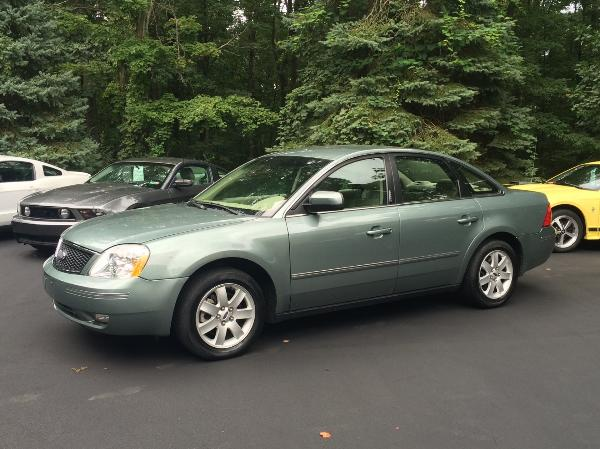 2006 green ford five hundred sel awd with 27k miles. Black Bedroom Furniture Sets. Home Design Ideas