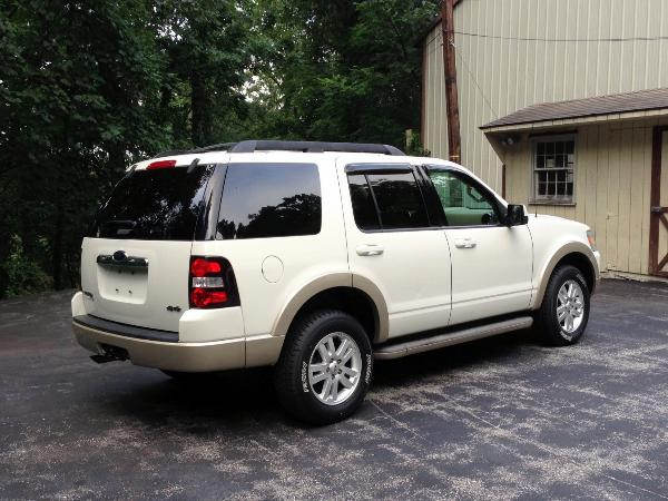 2010 white ford explorer with 47 000 miles. Black Bedroom Furniture Sets. Home Design Ideas